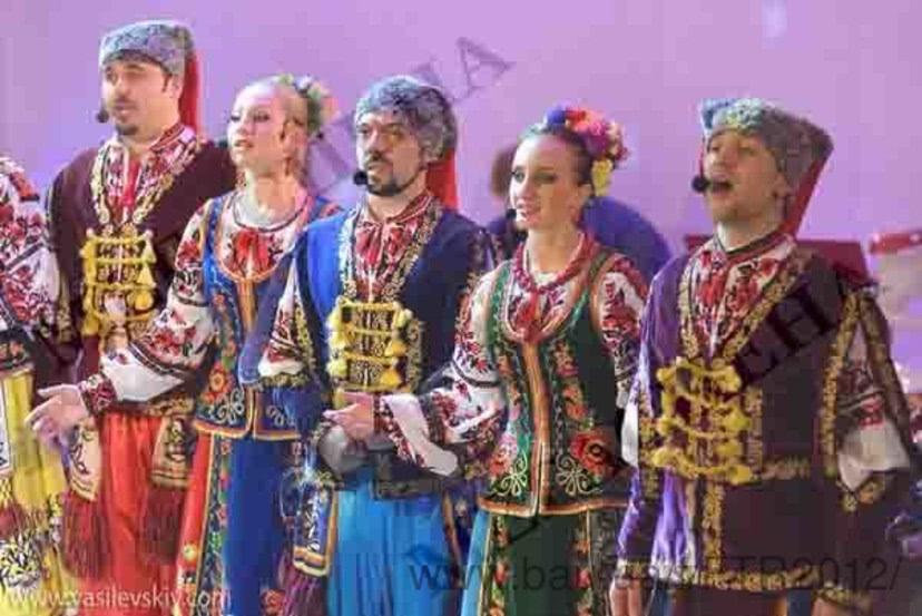 Національні та народні костюми - об єкти компанії Фабрика ... be199e2f45a43