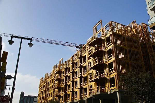 Названо області, що лідирують за темпами виконання будівельних робіт