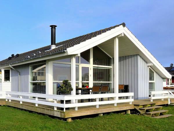 Будівельна амністія: узаконити дачні будинки можна буде з липня 2018 року
