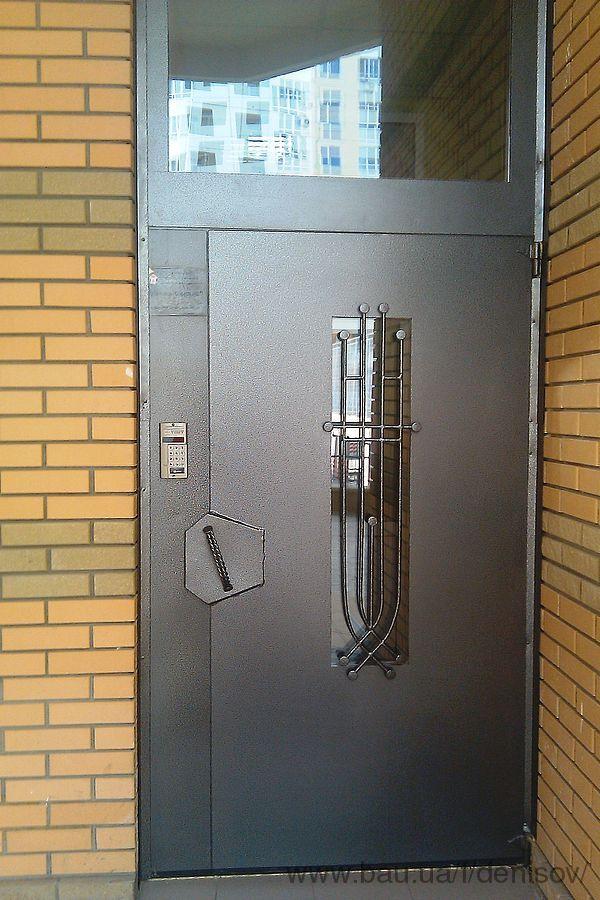 входные подъездные двери под домофон