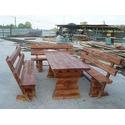 Деревянный стол с лавками
